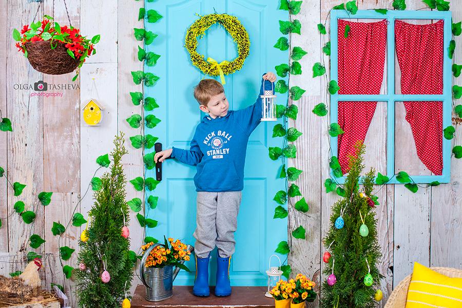 Детска фотосесия на Дечко при фотограф Олга Ташева. Фото студио Варна. Детска, бебешка и семейна фотография. Фотограф Варна -4444