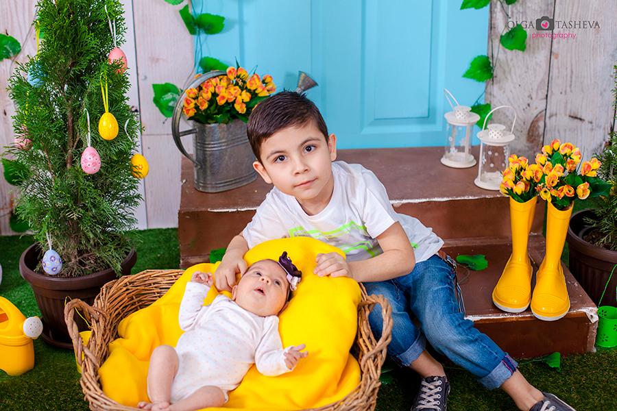 Детска фотосесия на Ростислав и Стелияна при фотограф Олга Ташева. Фото студио Варна. Детска, бебешка и семейна фотография. Фотограф Варна - 35734