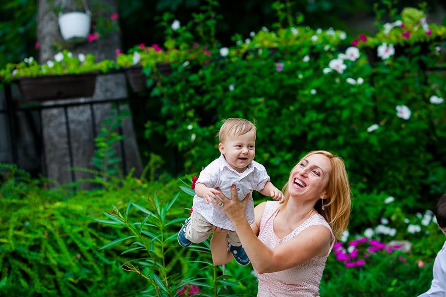 Кръщене на Йоан при фотограф Олга Ташева. Фото студио Варна. Детска, бебешка и семейна фотография. Фотограф Кръщене Варна - 74534535