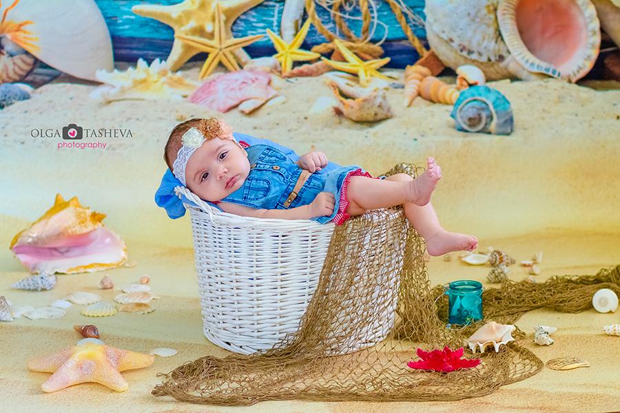 Фотосесия на Крисия при фотограф Олга Ташева. Фото студио Варна. Детска, бебешка и семейна фотография. Фотограф Кръщене Варна - ъ8745638890