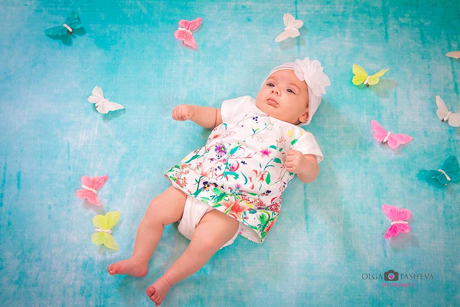 Фотосесия на Крисия при фотограф Олга Ташева. Фото студио Варна. Детска, бебешка и семейна фотография. Фотограф Кръщене Варна - 76573545232