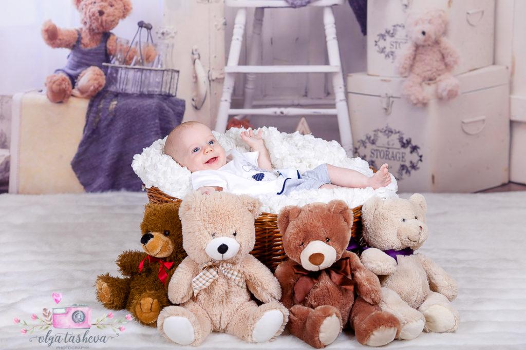Детски фотограф Варна. Бебешка фотосесия на Йоханес при фотограф Олга Ташева в студио. Бебешка, детска и семейна фотография-7874