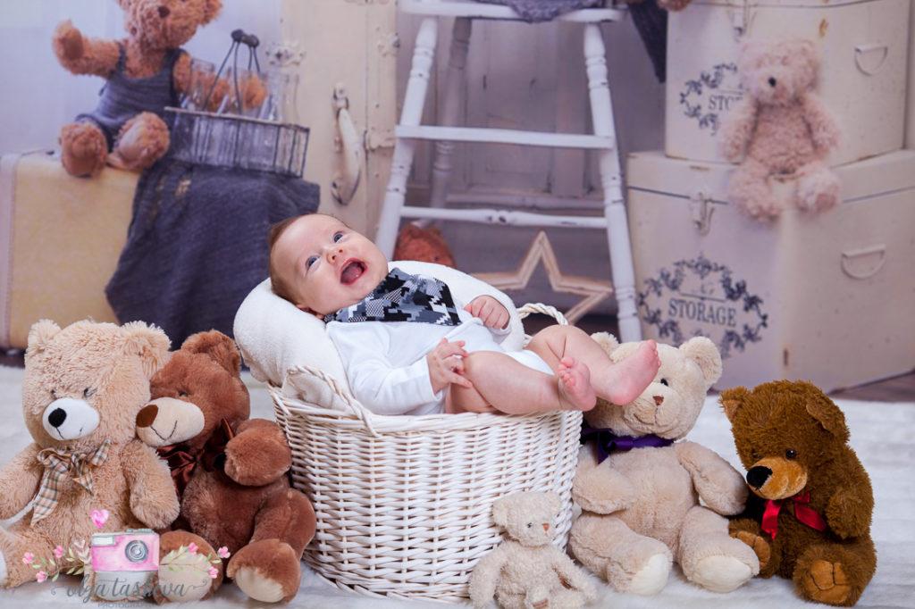 Детски фотограф Варна. Бебешка фотосесия на Филип при фотограф Олга Ташева в студио. Бебешка, детска и семейна фотография-9084676