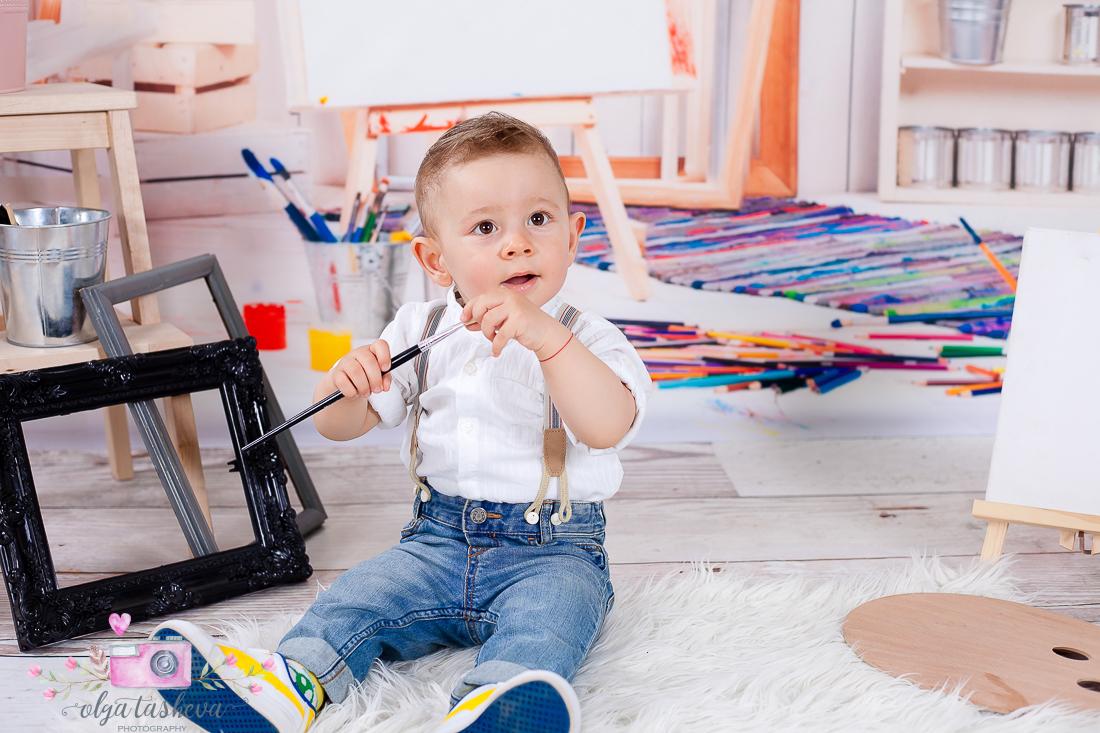 Детски фотограф Варна. Детска фотосесия на Юли при фотограф Олга Ташева в студио. Бебешка, детска и семейна фотография-03