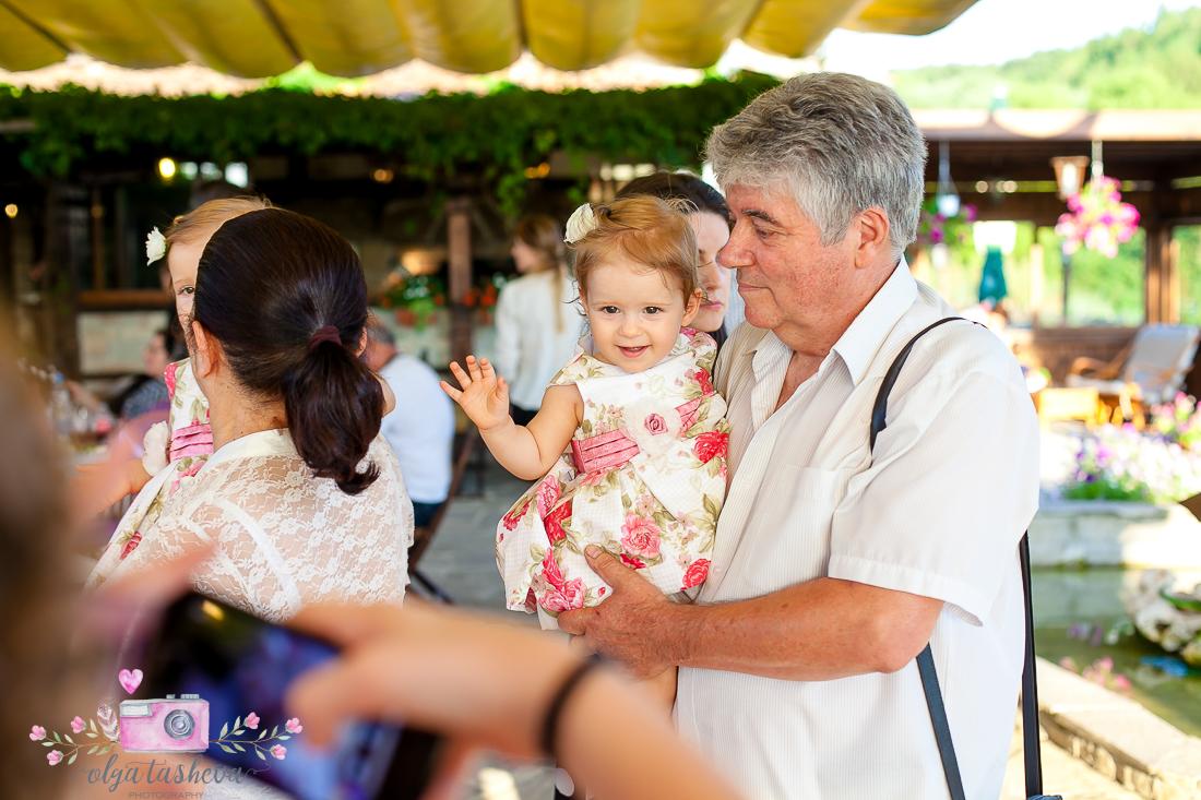 Фотограф за детски рожден ден Варна. Фотозаснемане на рожден ден на Кайла и Ванеа от фотограф Олга Ташева в студио. Бебешка, детска и семейна фотография-3