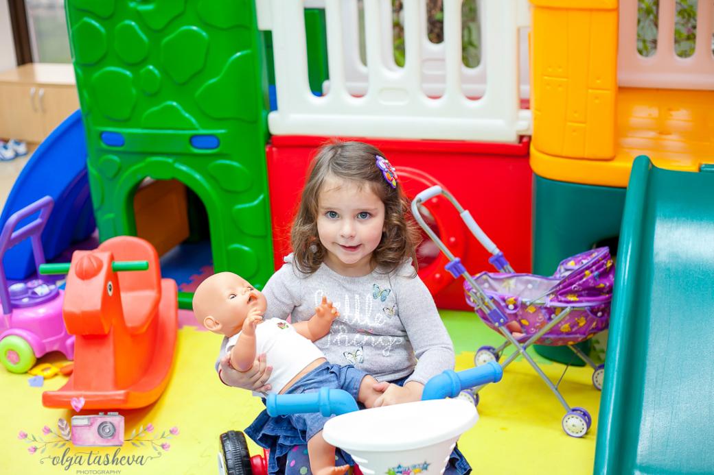 Фотограф за детски рожден ден Варна. Фотозаснемане на рожден ден на Крис от фотограф Олга Ташева в студио. Бебешка, детска и семейна фотография-428828