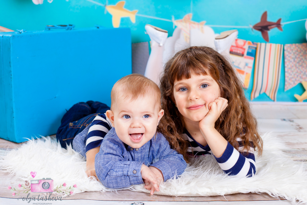 Детски фотограф Варна. Семейна фотосесия на Йоана и Мартин при  фотограф Олга Ташева в студио. Бебешка, детска и семейна фотография-47824