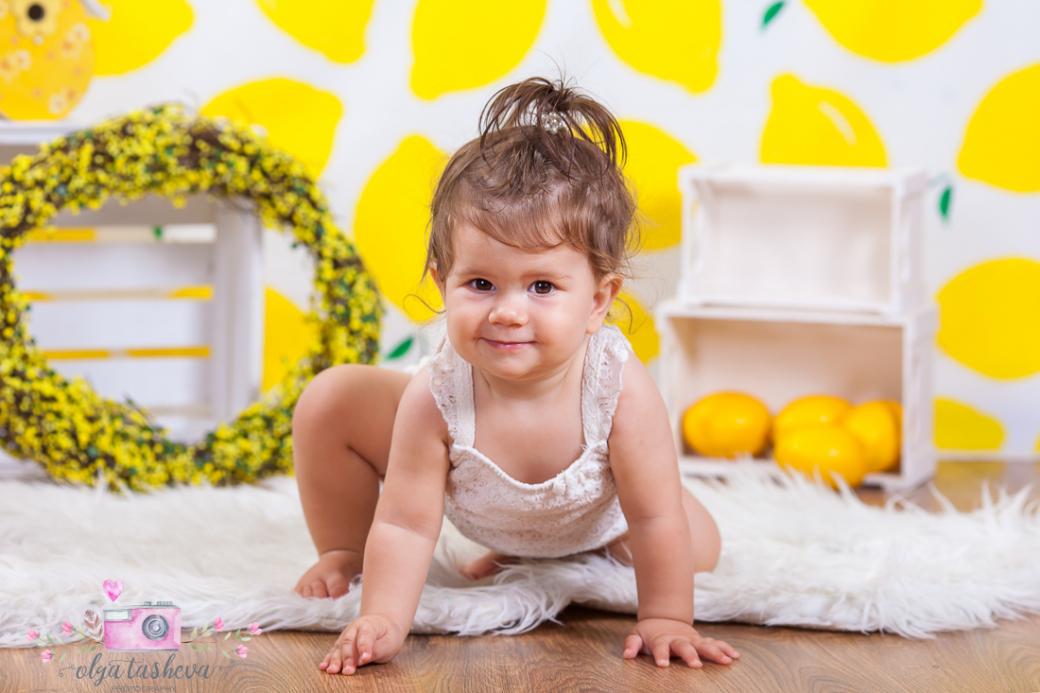 Бебешки фотограф Варна. Бебешка фотосесия на Ивайла при фотограф Олга Ташева в студио. Бебешка, детска и семейна фотография-1