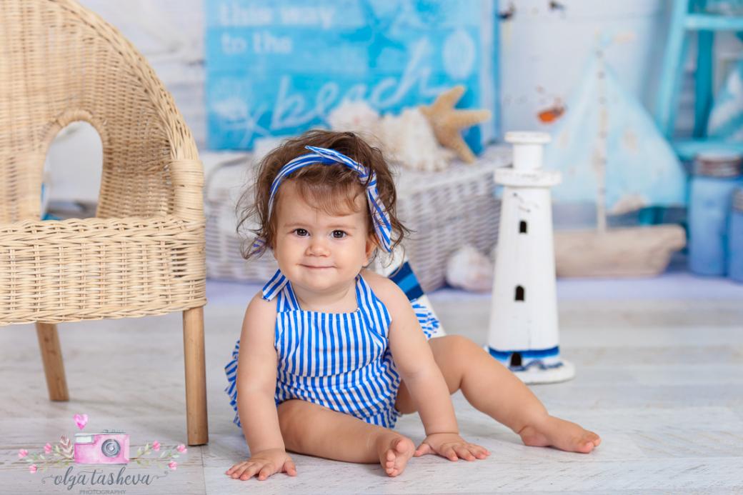 Бебешки фотограф Варна. Бебешка фотосесия на Ивайла при фотограф Олга Ташева в студио. Бебешка, детска и семейна фотография-3