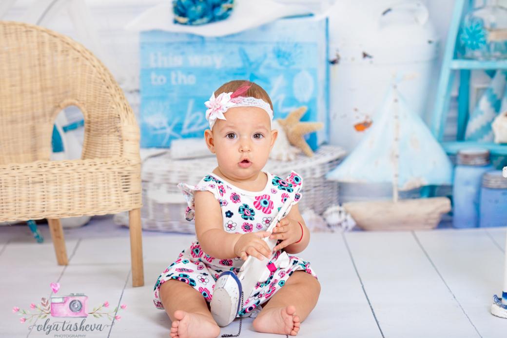 Бебешки фотограф Варна. Бебешка фотосесия на Симона при фотограф Олга Ташева в студио. Бебешка, детска и семейна фотография-01