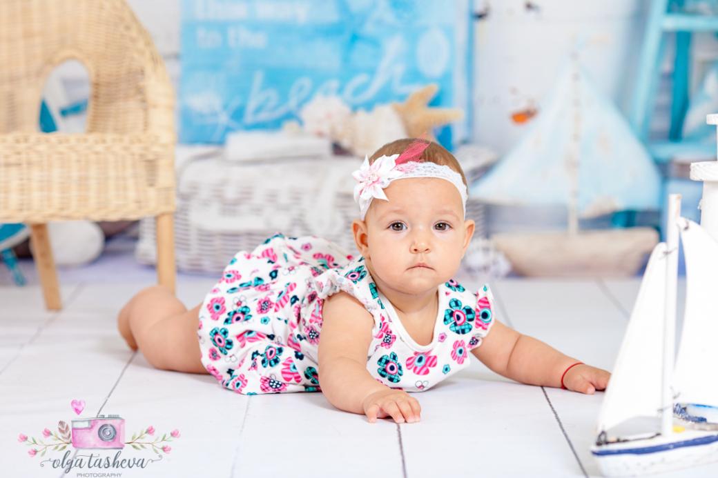 Бебешки фотограф Варна. Бебешка фотосесия на Симона при фотограф Олга Ташева в студио. Бебешка, детска и семейна фотография-3