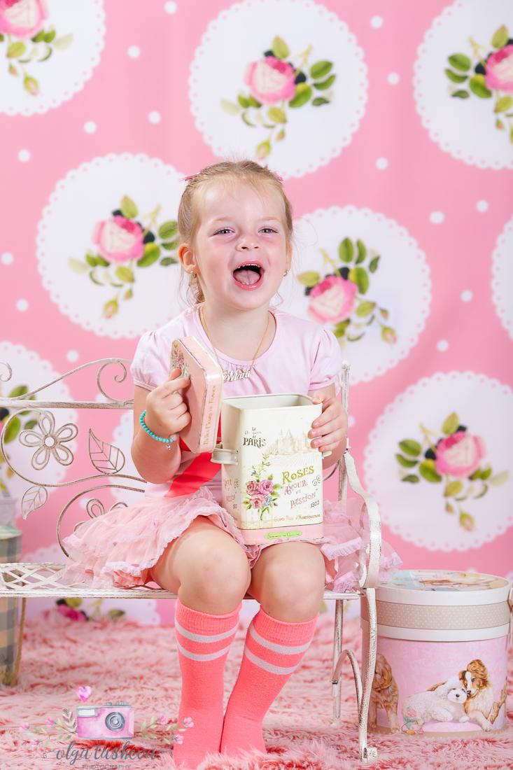 Детски фотограф Варна. Детска фотосесия Мадалин при фотограф Олга Ташева в студио. Бебешка, детска и семейна фотография-1