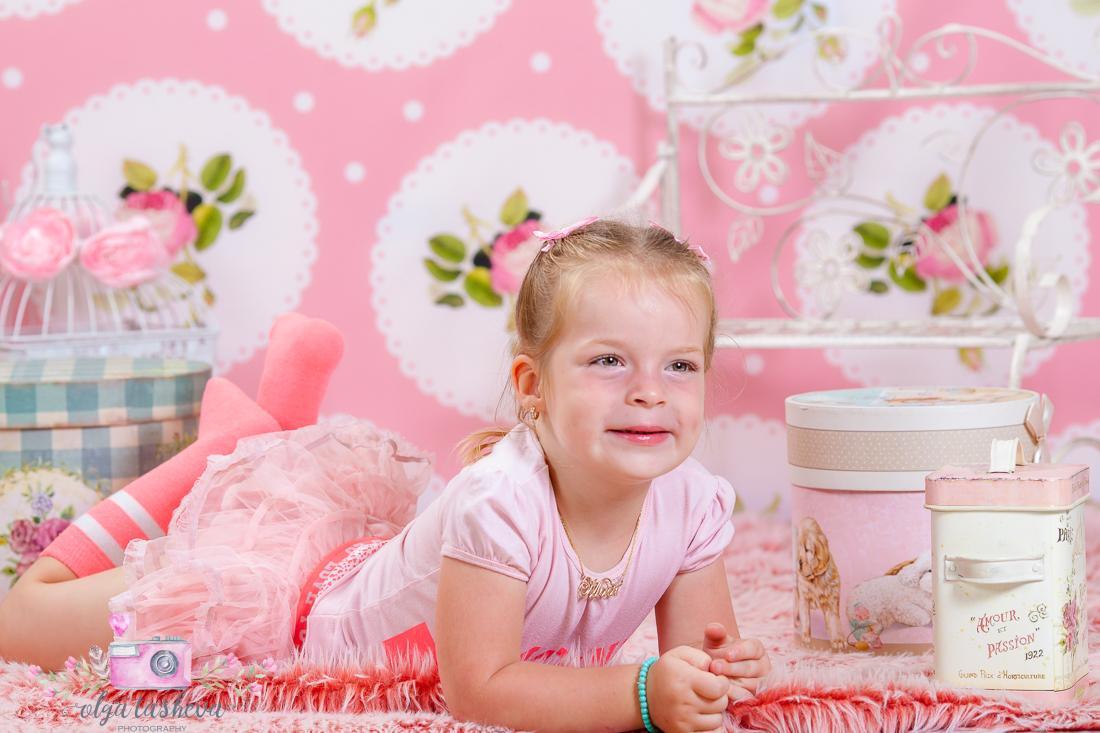 Детски фотограф Варна. Детска фотосесия Мадалин при фотограф Олга Ташева в студио. Бебешка, детска и семейна фотография-2