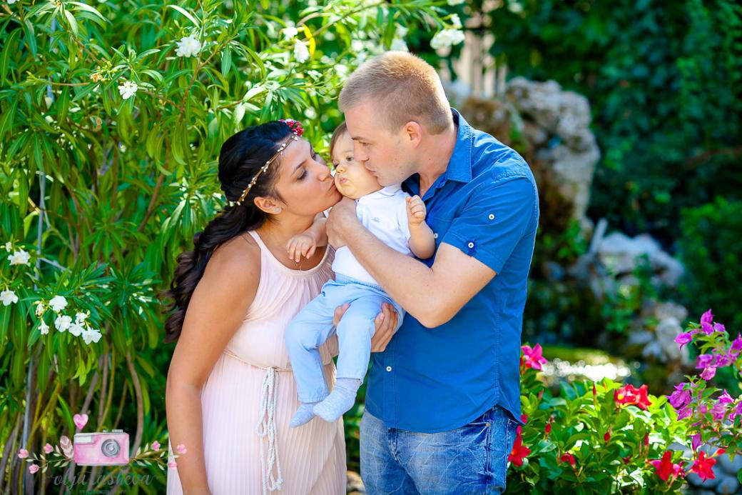 Фотограф за кръщене Варна. Фотозаснемане на кръщене на Теодор от фотограф Олга Ташева. Бебешка, детска и семейна фотография-2