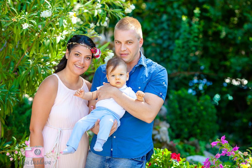 Фотограф за кръщене Варна. Фотозаснемане на кръщене на Теодор от фотограф Олга Ташева. Бебешка, детска и семейна фотография-3