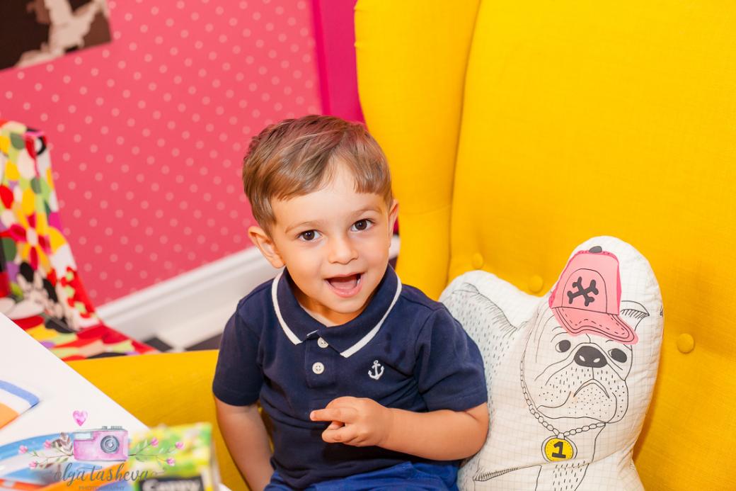 Фотограф за детски рожден ден Варна. Фотозаснемане на рожден ден на Алекс от фотограф Олга Ташева в студио. Бебешка, детска и семейна фотография-2