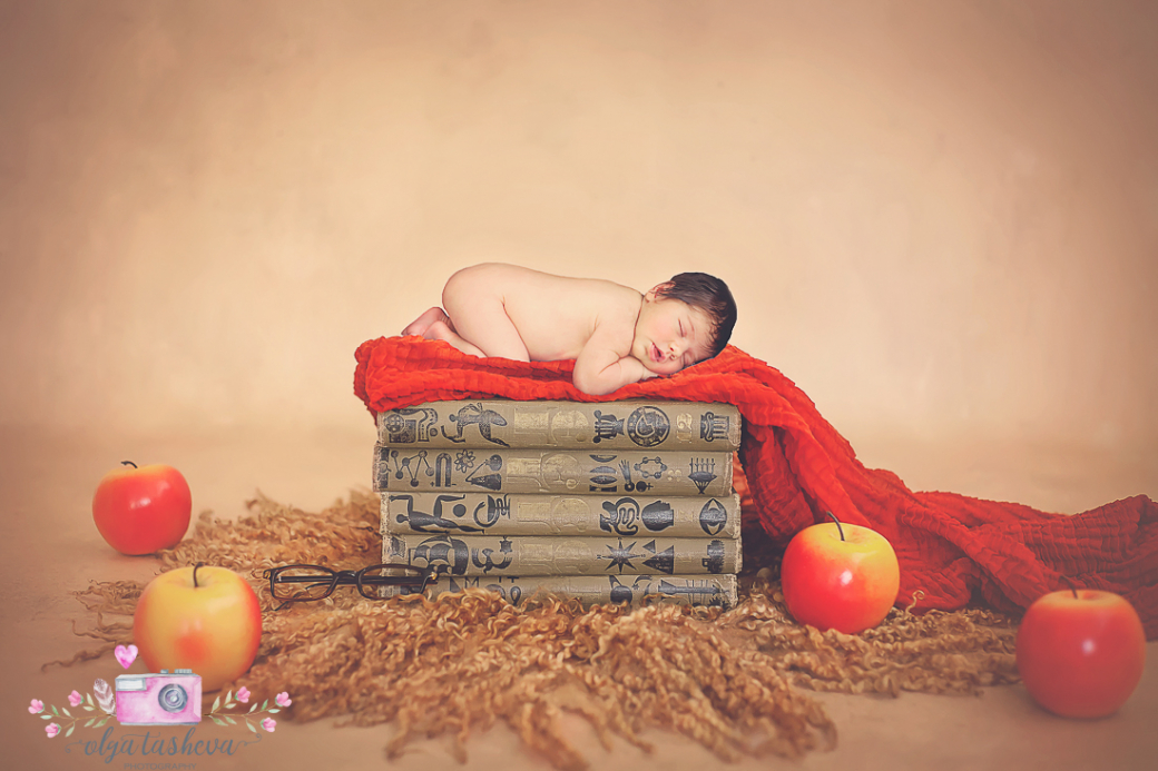 Фотосесия на новородено Симона при фотограф Олга Ташева. Фото студио Варна. Детска, бебешка и семейна фотография-1