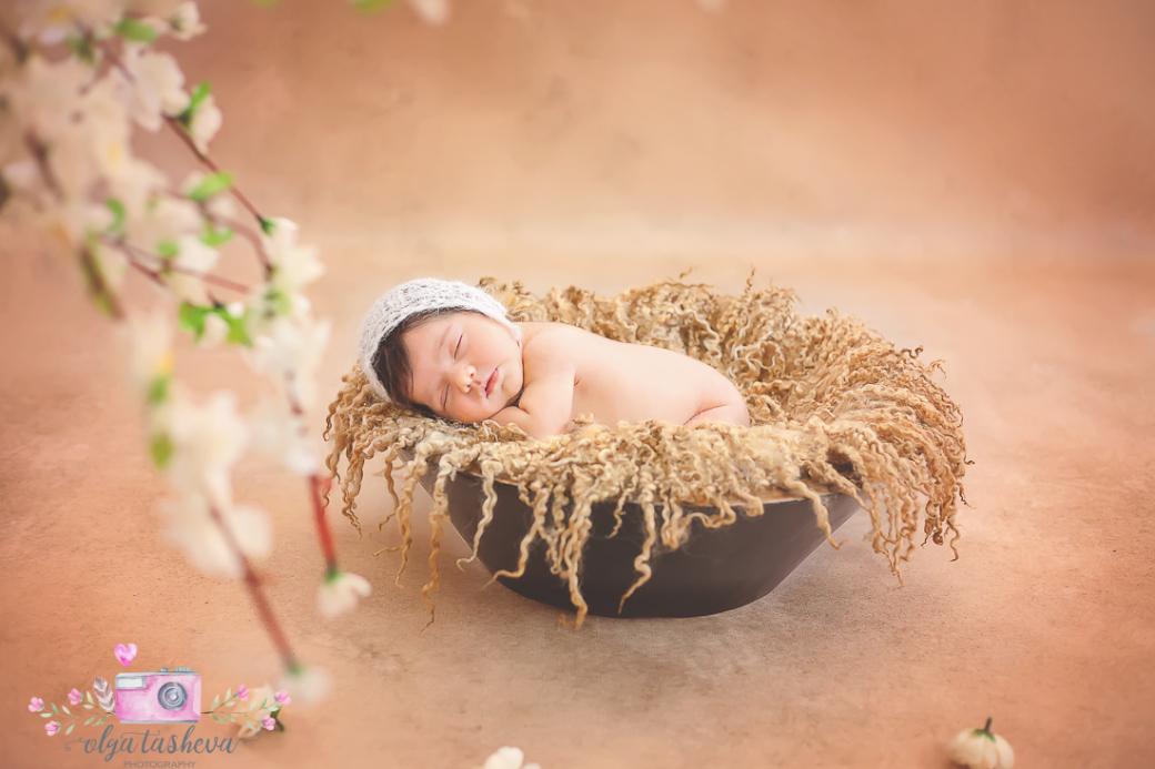 Фотосесия на новородено Симона при фотограф Олга Ташева. Фото студио Варна. Детска, бебешка и семейна фотография-3